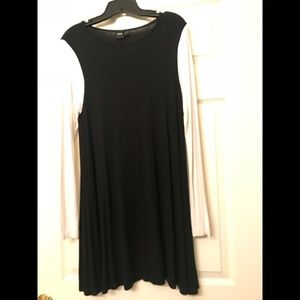 Dresses & Skirts - Black trapeze dress with white ls size 8